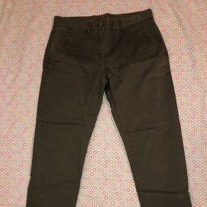 NWOT Gap Olive Khakis Size 2